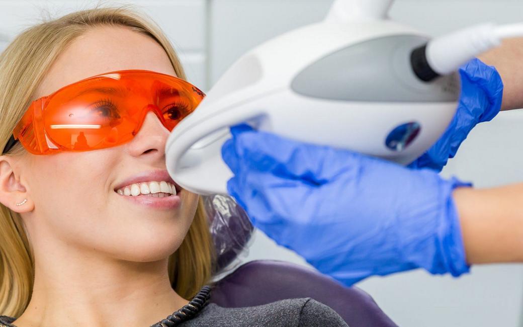 Отбеливание зубов системой ZOOM 4