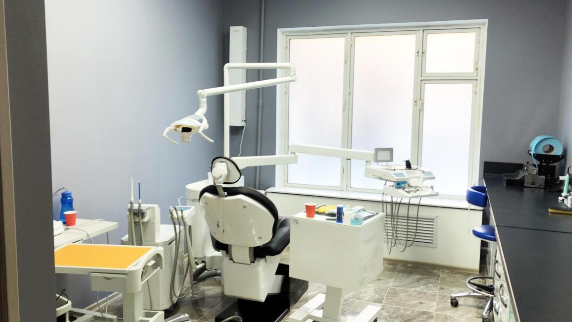 Стоматология на Первомайской кресло